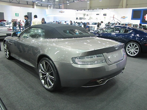 Aston Martin Virage Volante (2012)