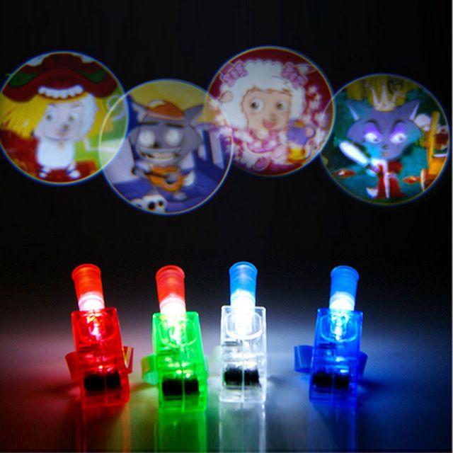 2017 LED Piscando Luz Dedo Dos Desenhos Animados Figuras Do Projetor de Feixe Laser Anel de Aniversário de Casamento Fontes Do Partido Brilho