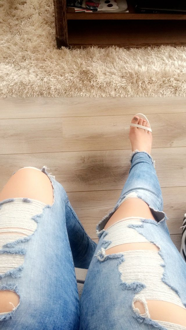 Как расположить ноги на фото