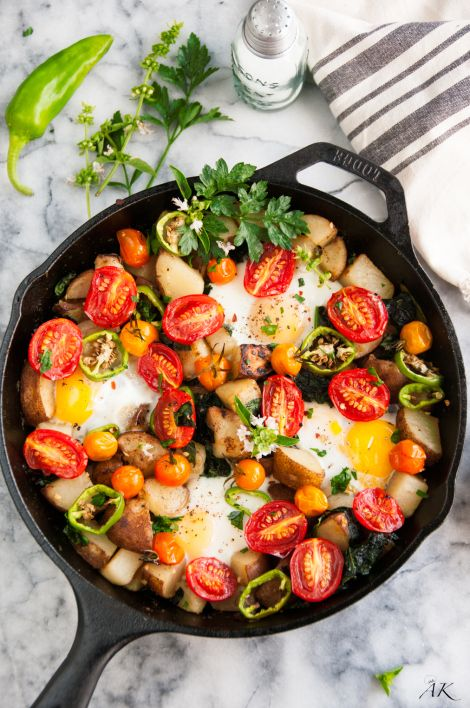 Skillet Eggs and Potato Garden Breakfast - A hearty, vegetarian breakfast made all in one skillet. Easy, delicious and healthy to boot!