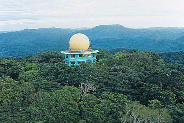 Dormir au dessus de la canopée Hotel Canopy Tower près de Panama dans le parc national de Soberania