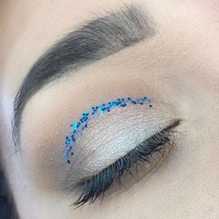 "Bit of glitter spices up any look ✨�� . . . . ~ Using @maccosmetics shadows in ""wedge"" and ""embark"" and @makeuprevolution eyeshadow from the 2016 advent calendar palette #makeup #motd  #eyes #glitter #makeupart #maccosmetics #maybelline #benefit #kabrow #collection #eyebrows #aspiringmua #unum #realtechniques #makeupobsession #makeuprevolution #goshcosmetics #no7#makeup #instamakeup #mascara #palettes #concealer #foundation #powder #eyes #makeupgeek #mua #lashes #base #beauty…"