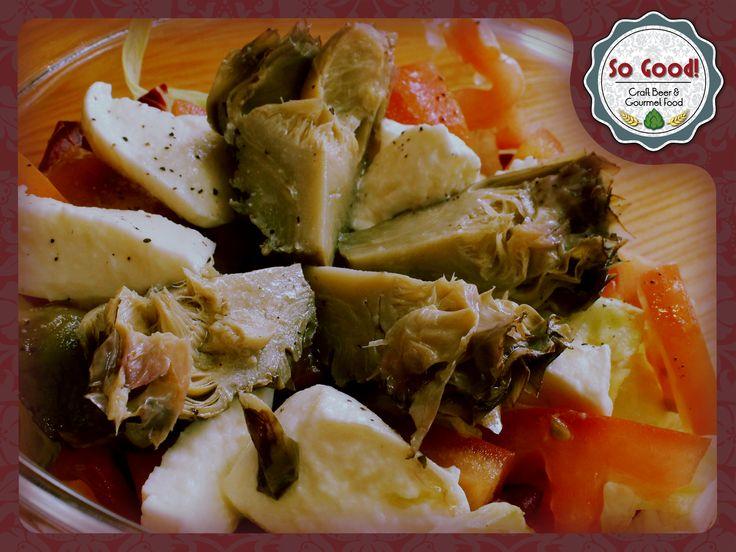 prepariamoci per la prova costume mangiando bene e restando leggeri! noi vi proponiamo un fuori menu freschissimo: insalata mista, mozzarella, pomodori freschi e carciofi alla griglia... e siete pronti per il mare! #sogood #roma #aventino #circomassimo #estate #insalata #summer #salad #food #foodpic #foodie