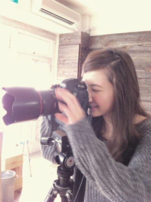 ST毎日コーデ:鈴木カメラマン、3月号を熱血撮影中♡ていうのはモチロン冗談。鈴木友菜ちゃんほか多… Seventeen(セブンティーン)