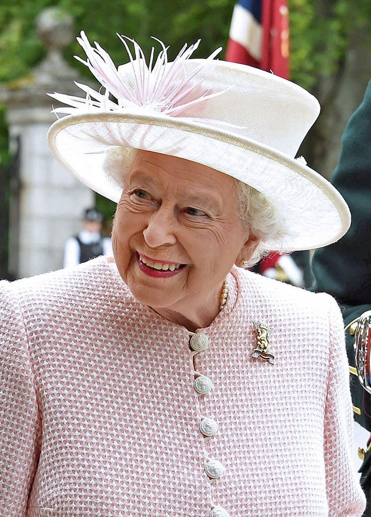 According to both Sky News and the Mail on Sunday ISIS is allegedly planning an attack on the Queen during VJ Day.