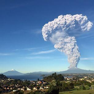 18 Impactantes imágenes de la erupción del Volcán Calbuco en Chile