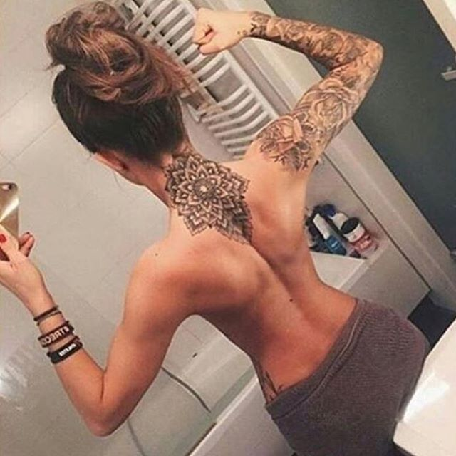 Obsessed with her tattoos! ❣