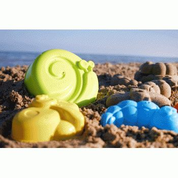 Four beautiful big sand moulds in summer colours provide wonderful tools for very imaginative designs in the sand or snow. Refer to images. Made in Spain.