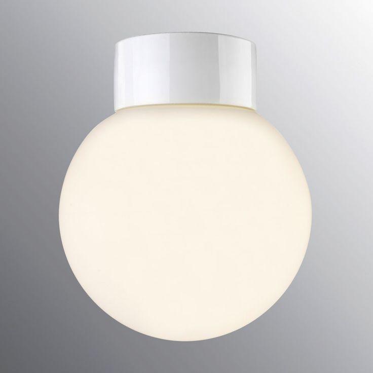 Ifö Classic Glob Vegg-/Taklampe Opalt Glass Hvit/Sort 20 cm | Designbelysning.no.   Vurderer denne i gangen. Selv om huset vårt er fra 50 tallet, er jeg ikke helt sikker på om den passer inn. Romene er så åpne at alt må henge sammen med alt.
