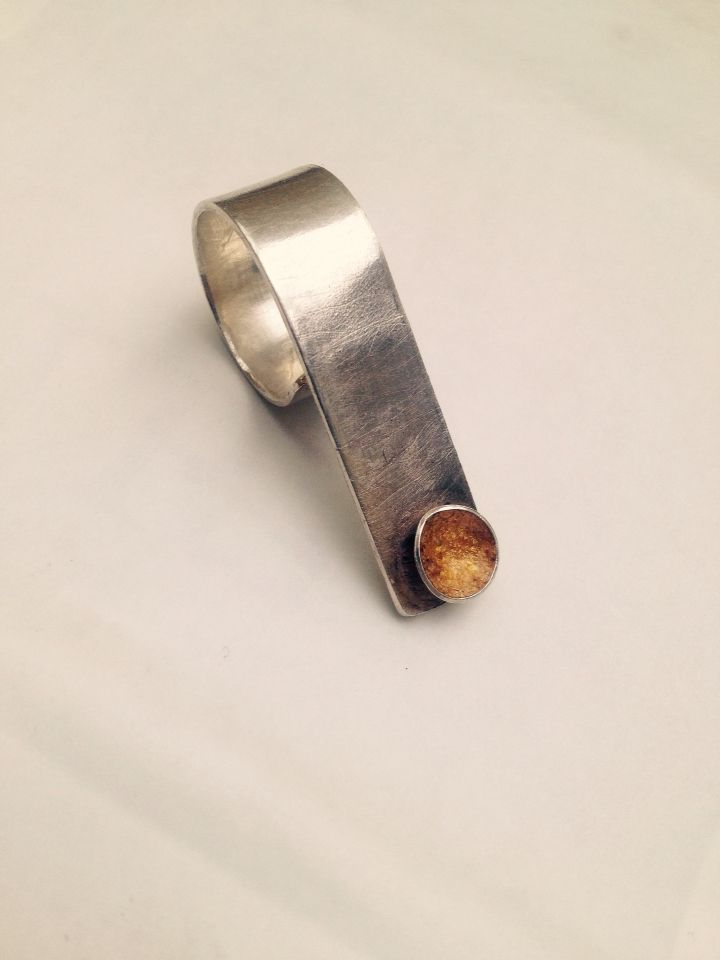 Scratched silver extended band ring with gold leaf cup detail