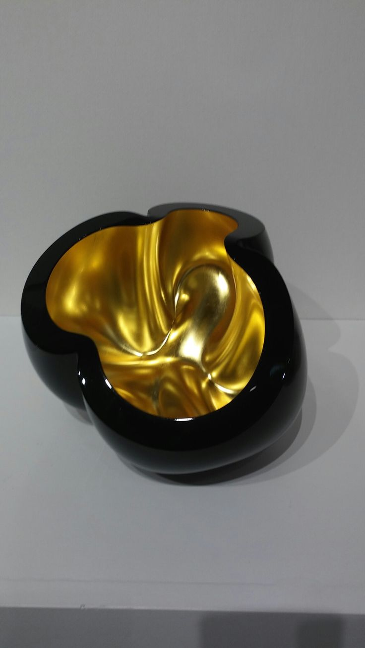 Barbara Nanning Sculpture  #jlohmanngallery #barbarananning #salonartanddesign #parkavenue #2016 #blackandgold #sculpture #fineart #tefaf #lescarats #NewYork #Magazine #luxury #lifestyle #glamour