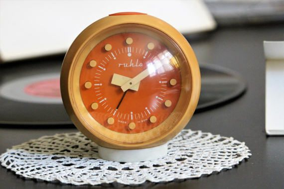 best 20  retro clock ideas on pinterest