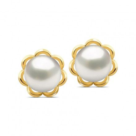 Another classic, these demure pearl stud earrings clasped with a simple gold flower, convey a feeling of sophistication that is timeless.