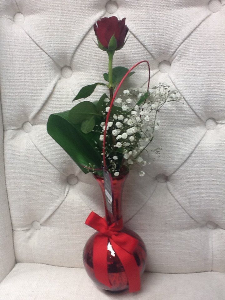 Gorgeous single red rose from The Rose House #flowers #valentine