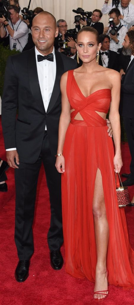 Hannah Davis took the red carpet in a sexy statement dress.