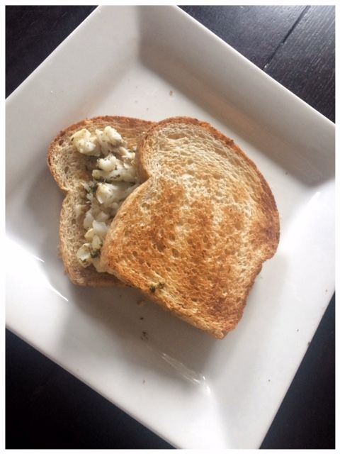 Cod Cooked in White Wine, Lemon & Dill Sauce – Sandwich for Lunch! #cod #fish #healthy #whitewine #healthy #lunch #eatinghealthy