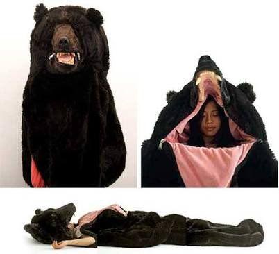 【人が食われた!?】通報待ったなしのヤバすぎる寝袋が発売される - Togetterまとめ