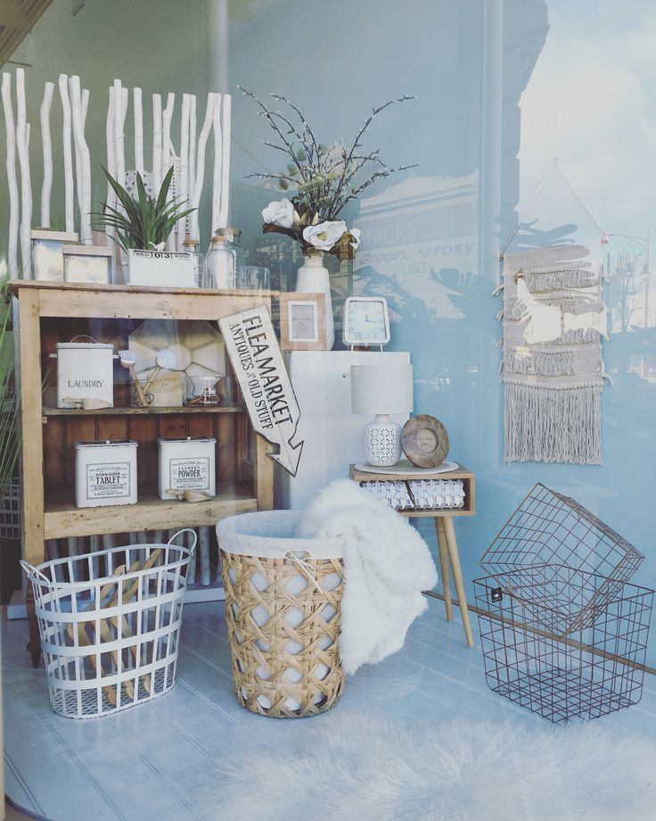 New window #vintage #natural #homedecor #baskets #white #rustic #quinceyjac