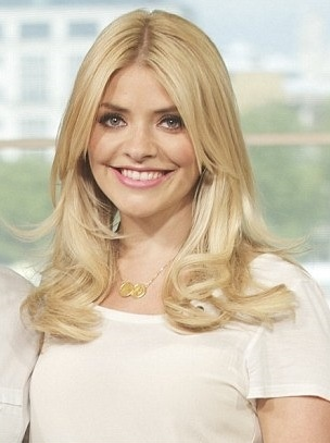 Holly Willoughby - love her necklace