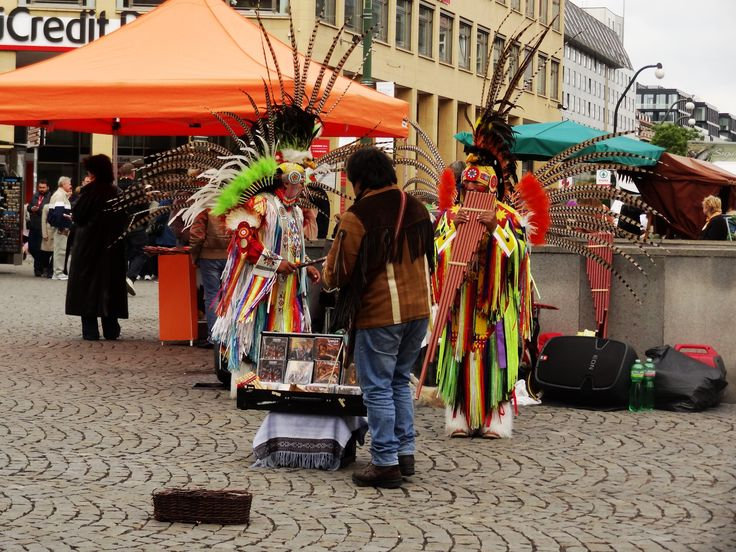 Performers at old town square, Prague - May 15 2014