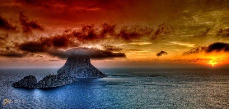 Es Vedra – #Испания #Балеарские_острова #Сан_Хосе (#ES_PM) Мистический остров, про который сложено много легенд http://ru.esosedi.org/ES/PM/1000477527/es_vedra/