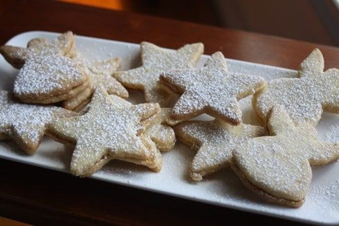 These caramel shortbread biscuits are great to make anytime of the year.  We've cut ours out in a Chirstmas shape because it's Christmas, but they are great for any occasion!  This is our cousin Jac's recipe and its a #winner We would love to know what you think by simply ...