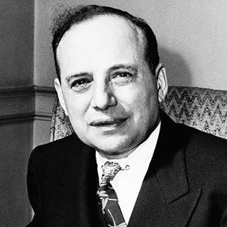 """Benjamin Graham: """"Father Of Value Investing""""  was born in London in 1894 the son of an importer. His family migrated to America when Ben was very young and opened an importing business. They did not do well Grahams father dying not long after moving to America and his mother losing the family savings in 1907 during an economic crisis.  Graham a star student managed to get to Columbia University and although offered a teaching post there after graduation took a job as a chalker on Wall Street…"""