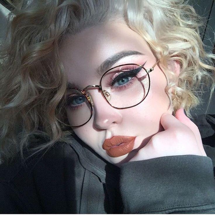 Orange lip                                                                                                                                                                                 More