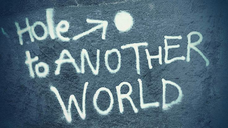 Another world Graff  .Streetart ICphotos