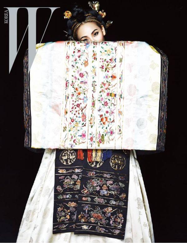 한복 HANBOK, Korean traditional clothes : 2NE1 CL W Korea March 2015 Pictures
