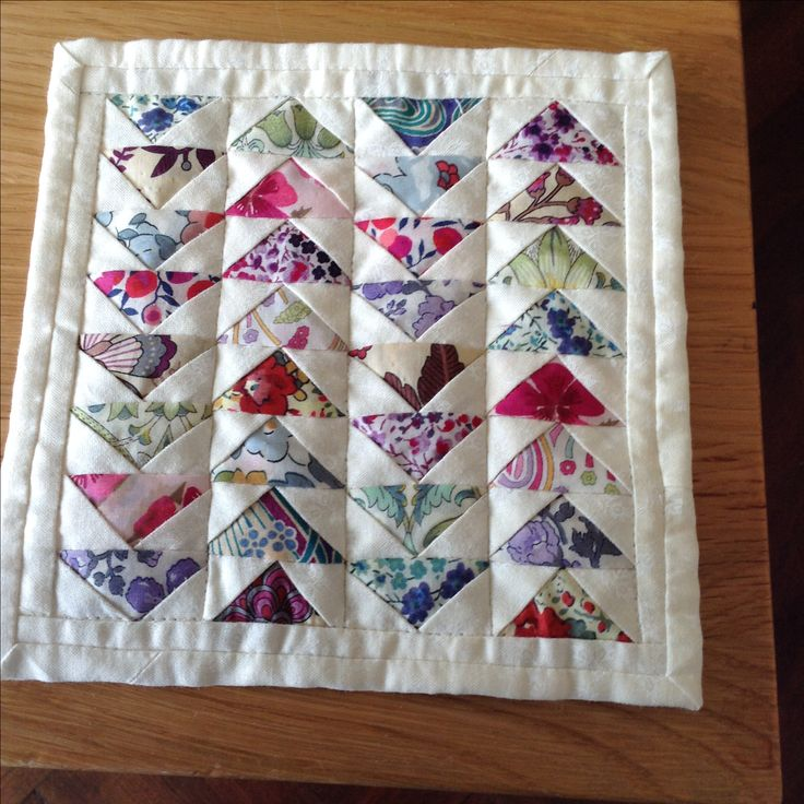 """Mini quilt with triangles 5""""square"""