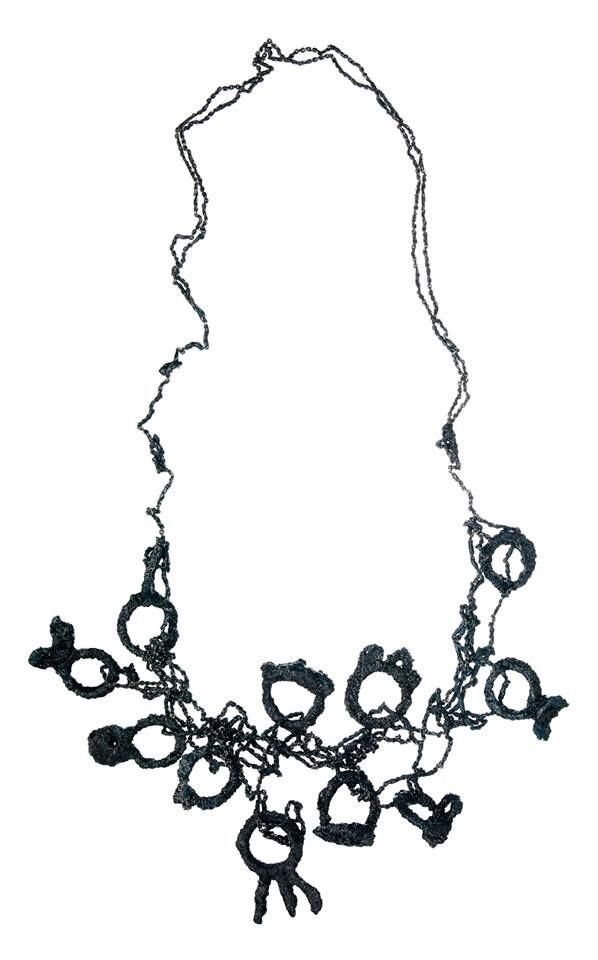 Liana Pattihis - Necklace - Silver, silver trace chain, enamel joya 2015