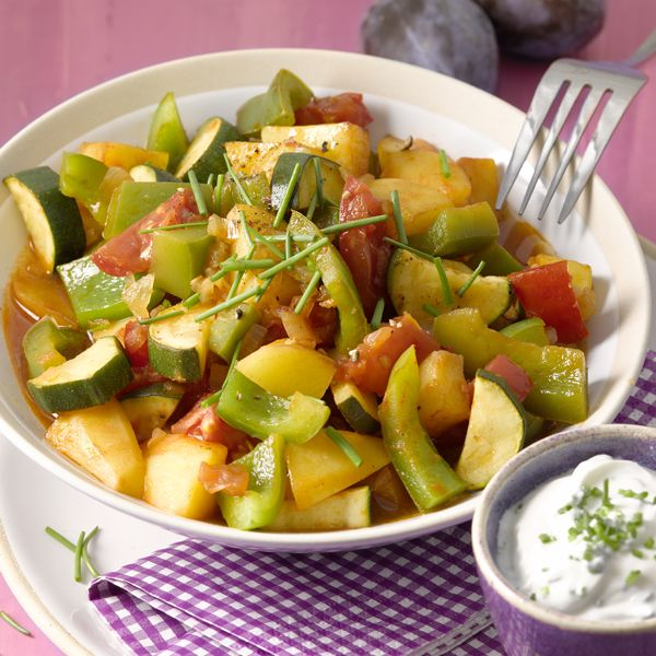 Wij krijgen trek van dit aardappel-groentepannetje met kruidendip! Jij ook? #PowerStart #WeightWatchers #WWrecept