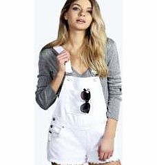 boohoo Denim White Dungaree Hotpants - white azz10722 A directional way to wear the denim trend, these white dungarees give off-duty styling a 90s vibe - love! Wear with a turtle neck top , cleated sole sandals and a beanie for that street style. http://www.comparestoreprices.co.uk/dresses/boohoo-denim-white-dungaree-hotpants--white-azz10722.asp