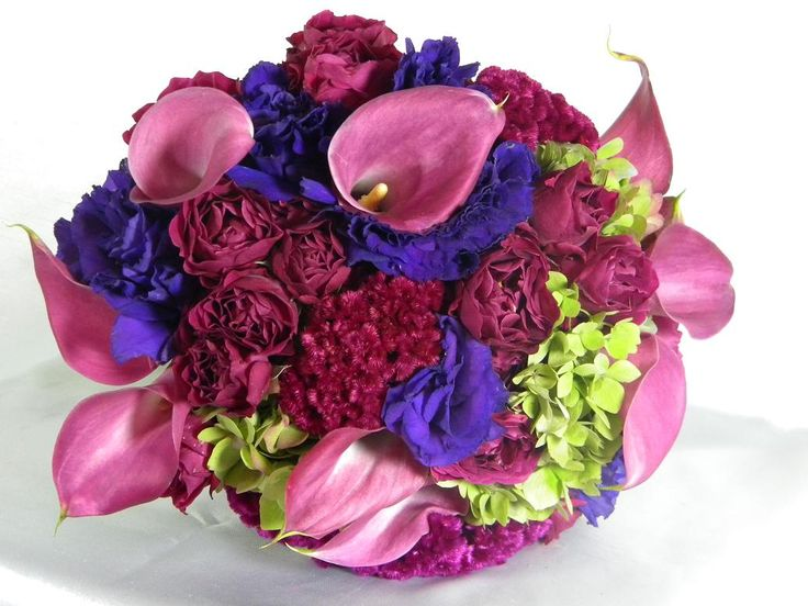 Did you know that your #floral gift speaks lot about your #personality ? To know more, visit @flowerzncakez