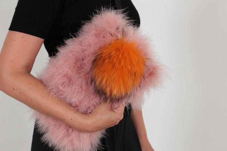 EYES ON MISHA Feather bag pink La Fiffi #feather #bags #eyesonmisha #fashionaccessories #pink