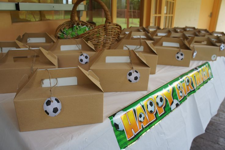 Soccer kids party - Lunch boxes - Decoration