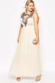 Ihr glaubt, glamouröse Abendkleider gibt es nur für schlanke Frauen? Stimmt nicht und hier kommt der Beweis!Für euch haben wir in...