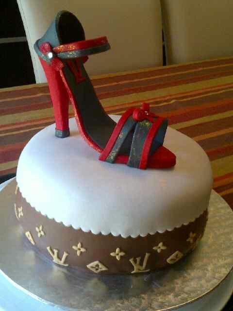 A Cindarella story... perfect cake By Raquel Monteiro