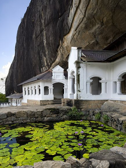 The cave monastery of Dambulla, a World Heritage site, has five sanctuaries and is the largest, best preserved cave temple complex in #SriLanka.