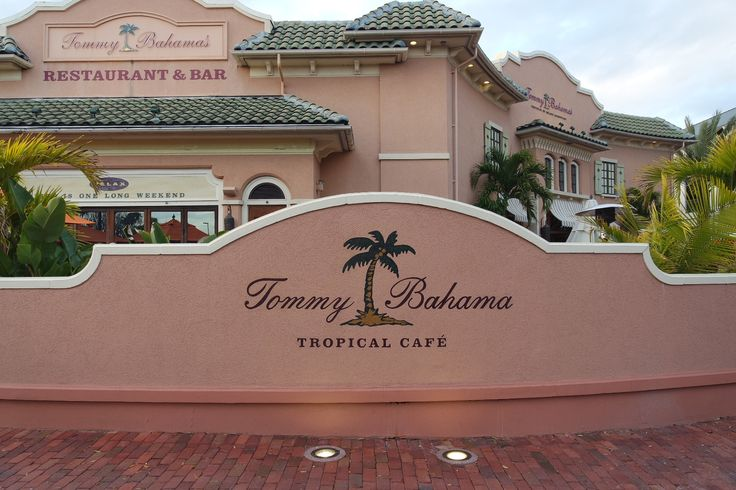 Tommy Bahama Restaurant & Bar is a Caribbean style restaurant inspired by the island cuisine in the Bahamas. They offer a full service bar and are conveniently open late. Located only 1.8 miles from DoubleTree by Hilton Orlando at Seaworld.