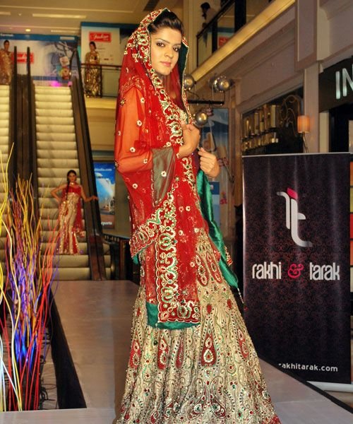 Rakhi & Tarak is a best designers in Delhi for Designer Sarees, wedding lehenga,  Anarkali suits, designer suits, designer bridal sarees. http://rakhitarak.blogspot.in/