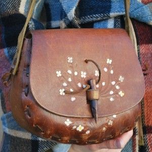 I made this purse, worked for American Handicrafts store during HS, best job ever.  This came from Tandy Leather, the parent company of American Handicrafts.  They were side  by side in the strip mall.