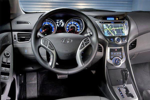 Hyundai Elantra 2015 - Pictures & Brief Review