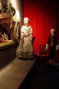 I Musei di Strada Nuova allestiscono come ogni anno, negli spazi di Palazzo Rosso, uno storico presepe settecentesco con statuine finemente intagliate e vestite con abiti d'epoca.