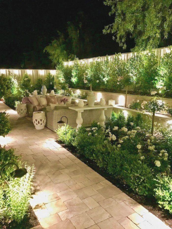 1001 Inspirierende Sichtschutz Garten Ideen Und Bilder Gartendeko Gartendesign Gartenideen In 2020 Small Backyard Landscaping Backyard Landscaping Garden Lighting