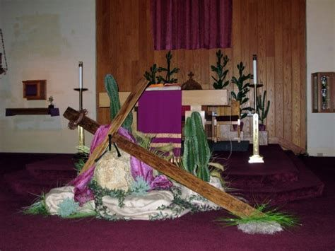 Best 25 church altar decorations ideas on pinterest for Lent decorations for home