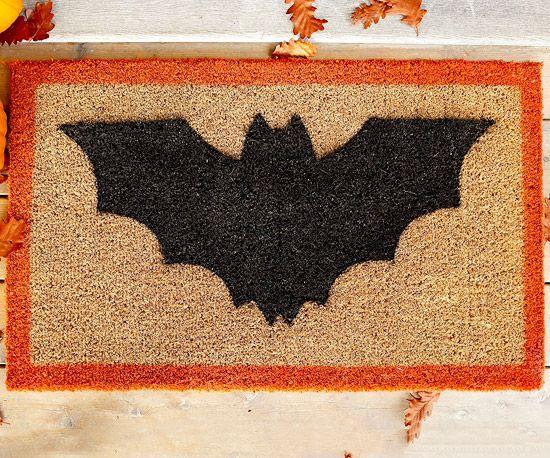 bat doormat #halloween (or maybe not just halloween!):  Welcome Mats, Halloween Decor, Halloween Doormats, Diy'S, Halloween Crafts, Bats Them Doormats, Halloween Diy, Bats Doormats, Batthem Doormats