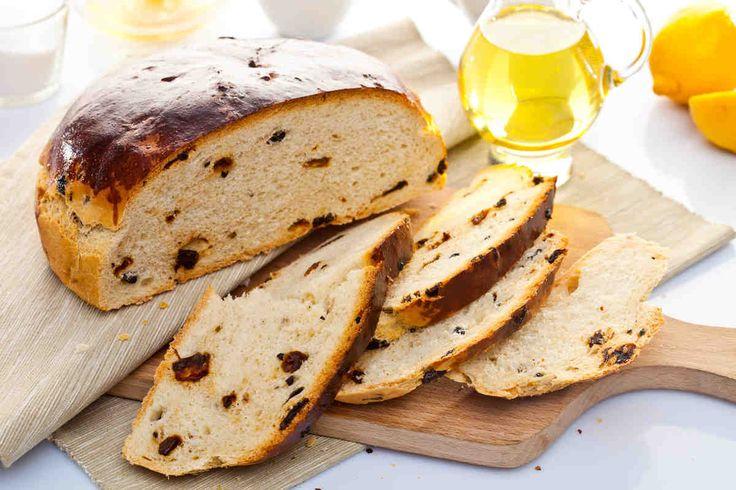 Chleb z oliwkami i suszonymi pomidorami  #smacznastrona #przepisytesco #chlebdomowy #oliwki #suszonepomidory