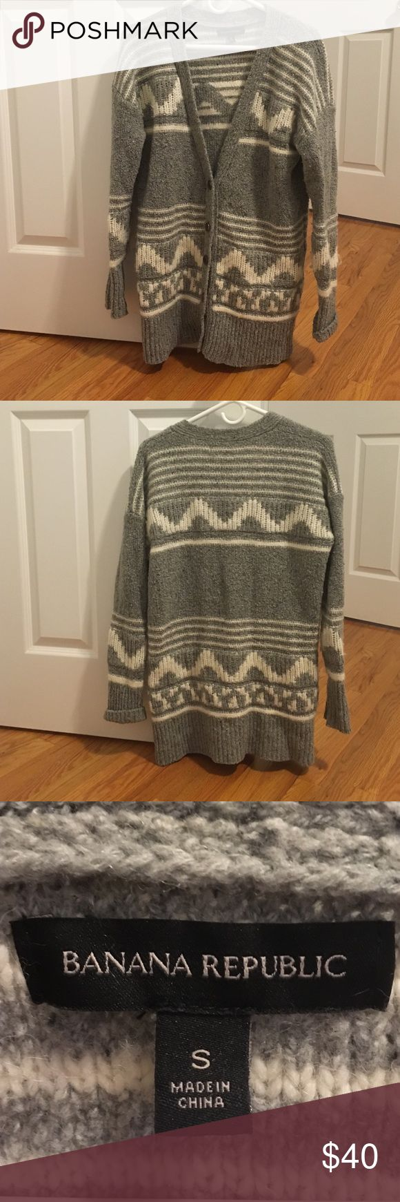 Banana republic oversized sweater Great condition. Oversized, great to wear with leggings! Banana Republic Sweaters